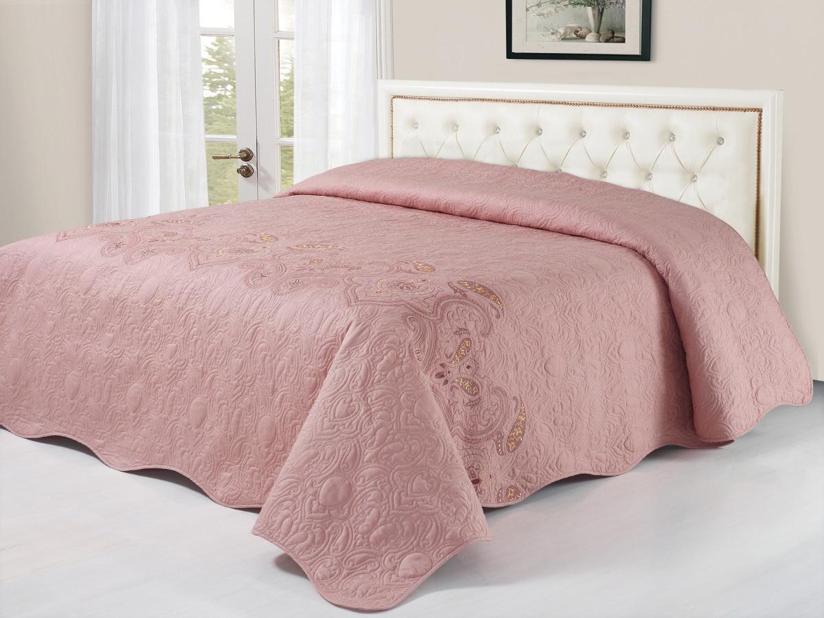 Покрывало Cleo, цвет: розовый, 240 х 260 см184/023-BSКоллекция покрывал Cleo Сатин с вышивкой - искушение и стиль для ценителей качества! Сатин - это ткань из 100% хлопка, сатинового переплетения, имеет гладкую, шелковистую лицевую поверхность. Красивые, яркие, легкие и в меру объемные покрывала - они становятся настоящим украшением, завершающим штрихом интерьера, который преображает помещение, делая его уютным и комфортным.