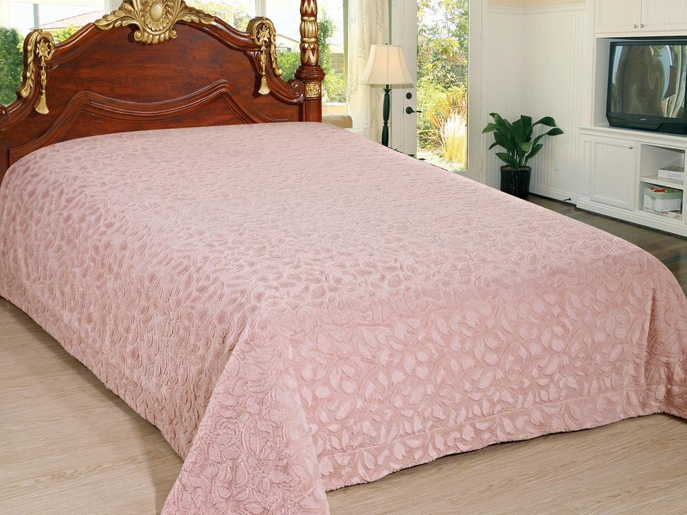 Покрывало Cleo Лепестки, цвет: розовый, 220 x 240 см210/93-TZКрасивые, яркие, легкие и в меру объемные покрывала - они становятся настоящим украшением, завершающим штрихом интерьера, который преображает помещение, делая его уютным и комфортным. Состав этой коллекции - искусственный мех (акрил). Покрывало универсально в использовании. Такое покрывало прослужит много лет, радуя вас и ваших близких изначальной яркостью своих красок.