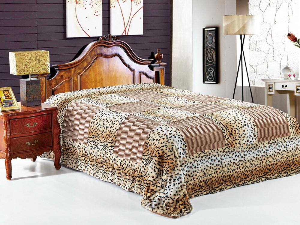 Покрывало Cleo Фимса, цвет: коричневый, 220 x 240 см210/06-DZКрасивые, яркие, легкие и в меру объемные покрывала - они становятся настоящим украшением, завершающим штрихом интерьера, который преображает помещение, делая его уютным и комфортным. Состав этой коллекции - искусственный мех (акрил). Покрывало универсально в использовании. Такое покрывало прослужит много лет, радуя вас и ваших близких изначальной яркостью своих красок.