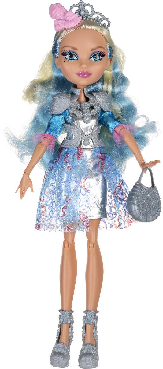 Ever After High Кукла Дарлинг Чарминг цвет одежды серебряный голубойDRM05_CDH58Кукла Ever After High Дарлинг Чарминг станет отличным подарком для юной поклонницы мультфильма Игры Драконов! Дарлинг Чарминг - дочь короля Чарминга. Кукла имеет длинные светлые волосы с голубыми прядями, которые можно уложить в очаровательные прически. Наряд куклы состоит из короткого серебристого платья с блестящими фалдами. Одежда дополнена съемным пластиковым поясом и накидкой. На ногах у куколки - туфельки на высоких каблуках в тон поясу и накидке. Образ дополняет корона с нежно-розовым пером и модная сумочка. Игрушка выполнена из безопасных для здоровья ребенка материалов.