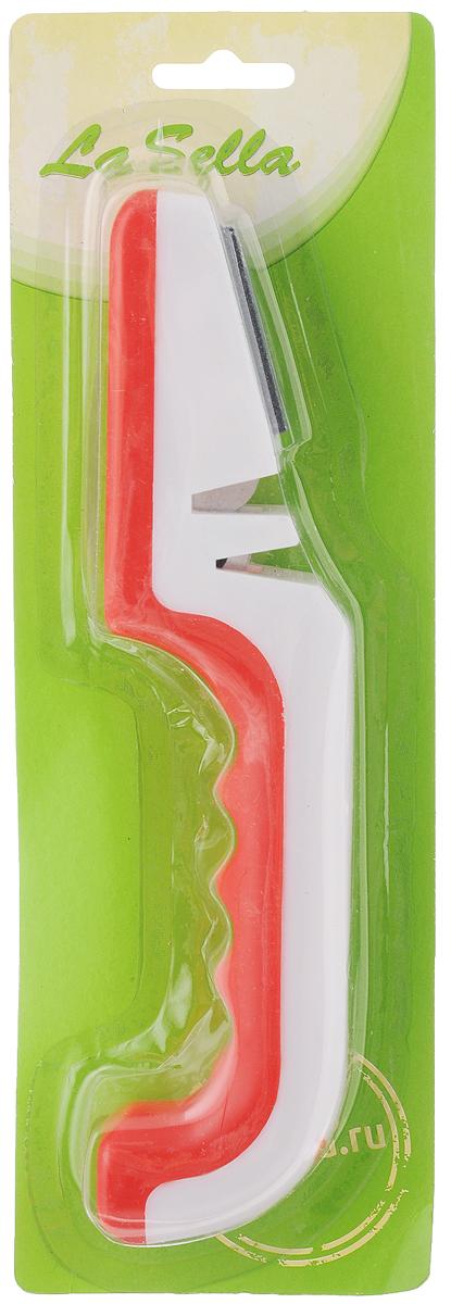 Ножеточка LaSella. H18-029H18-029Ножеточка LaSella - незаменимый аксессуар на любой кухне. Изделие позволяет быстро и качественно заточить нож. Подходит для заточки различных видов ножей из нержавеющей стали, кроме ножей с зубчатыми лезвиями. Изделие имеет отсек, выполненный из вольфрама, предназначен для грубой заточки, обеспечивает шлифование под углом; а также поверхность для быстрой и легкой заточки ножей. Грубая заточка используется в том случае, если ваш нож очень затуплен, а легкая заточка - для удаления неровностей с поверхности лезвия. Благодаря такой ножеточке вы можете точить ножи в нужных вам местах. Ножеточку удобно использовать: просто двигайте ножи вперед-назад. Удобная рукоятка выполнена из пластика. Эргономичная форма рукоятки обеспечивает надежный хват, комфорт и безопасность при использовании.