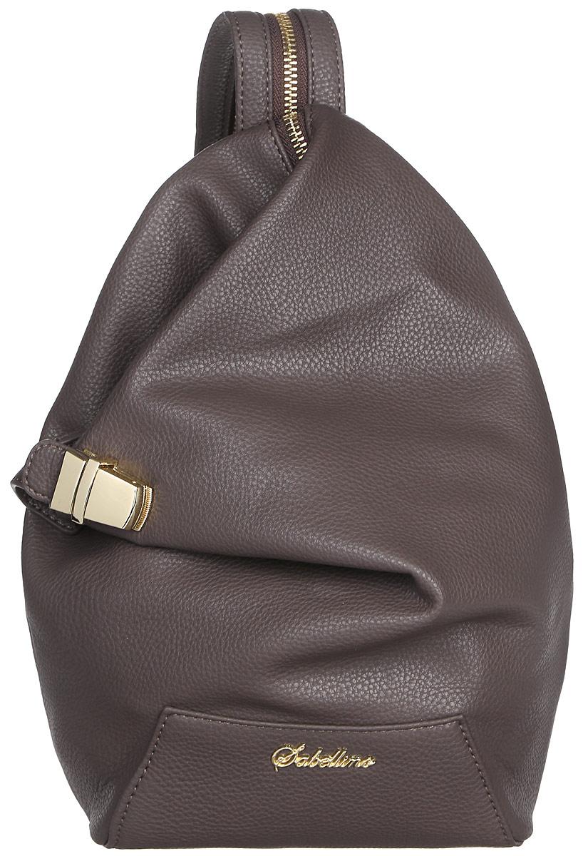 Рюкзак женский Sabellino, цвет: темно-коричневый. 0111016700_800111016700_80Рюкзак женский Sabellino выполнен из мелкозернистой эко-кожи. Изделие закрывается на застежку-молнию и дополнительный замок. На лицевой стороне изделие дополнено металлической пластиной с названием бренда. Внутри - большое отделение, которое дополнено одним прорезным карманом на застежке- молнии. Снаружи, на задней стенке размещен прорезной карман на застежке- молнии. Изделие оснащено удобными плечевыми лямками, которые регулируются по длине и при помощи молнии застегиваются в одну лямку. В этом сезоне этот модный аксессуар поможет вам быть в тренде!