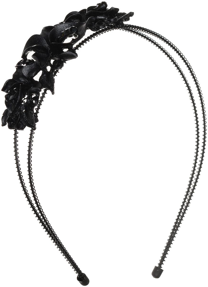 Ободок Fashion House, цвет черный, FH33216FH33216Изящный ободок Fashion House выполнен из металла, покрытого эмалью и украшен тремя прекрасными цветами с несколькими стразами. Ободок позволит не только убрать непослушные волосы со лба, но и придать вашему образу романтичности и очарования. Правильно подобранный ободок сделает вас стильной и женственной и подчеркнет красивые черты лица.
