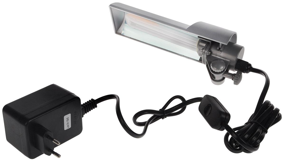 Светильник Dennerle Nano Light, с верхним креплением на стенку аквариума, 9 ВтDEN5921Светильник Dennerle Nano Light предназначен для подсветки аквариума. Регулируется по высоте и передвигается по горизонтали. Крепится к стенкам аквариума толщиной до 5 мм. Светильник оснащен встроенным глянцевым отражателем, обеспечивающим на 100% больше света. В комплект входим энергосберегающая люминесцентная лампа (цвет света: дневной, 6000 кельвин). Размер светильника: 22 х 6,5 х 3,5 см. Длина шнура: 2 м.