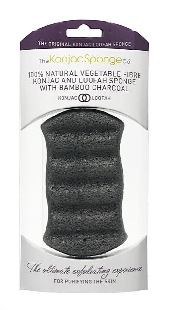 The Konjac Sponge Co Спонж для мытья тела Konjac & Loofah Mix Charcoal Body Sponge005249Полностью натуральный спонж из растительной клетчатки для мытья тела (с добавлением порошка люфы для отшелушивания отмерших клеток кожи и бамбукового угля для более эффективного очищения жирной кожи). Не содержит химикатов, красителей, аллергенов. На 100% биоразлагаемый. Используется во влажном состоянии. Длина – ок. 13,5 см (без учета упаковки).
