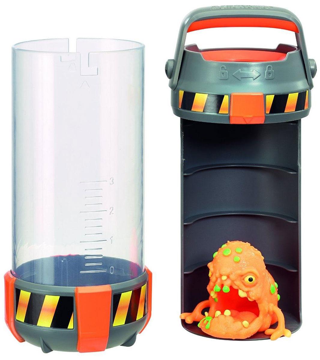 Fungus Amungus Игровой набор Токсичная капсула цвет оранжевый22510.2300_оранжевыйОсторожно, это токсичный контейнер! Бактериологическая опасность! Перед вами новинка 2016 года - одна из примечательных новинок серии функциональных коллекционных игрушек Fungus Amungus. По сюжету, из секретной экспериментальной лаборатории сбежали микробы и спрятались в джунглях, гаджетах, еде, дикой природе и даже в человеческом теле. Их всех нужно незамедлительно поймать! Игровой набор Fungus Токсичная капсула включает в себя капсулу для коллекционирования микробов и фигурку супермикроба эксклюзивного типа. Фигурка изготовлена из эластичного пластика. Кроме того она хорошо липнет к ровным поверхностям. Разумеется, внутреннее пространство контейнера можно использовать и более разумно. Туда могут поместиться несколько чашек Петри, встречающихся в других наборах данной серии игрушек.