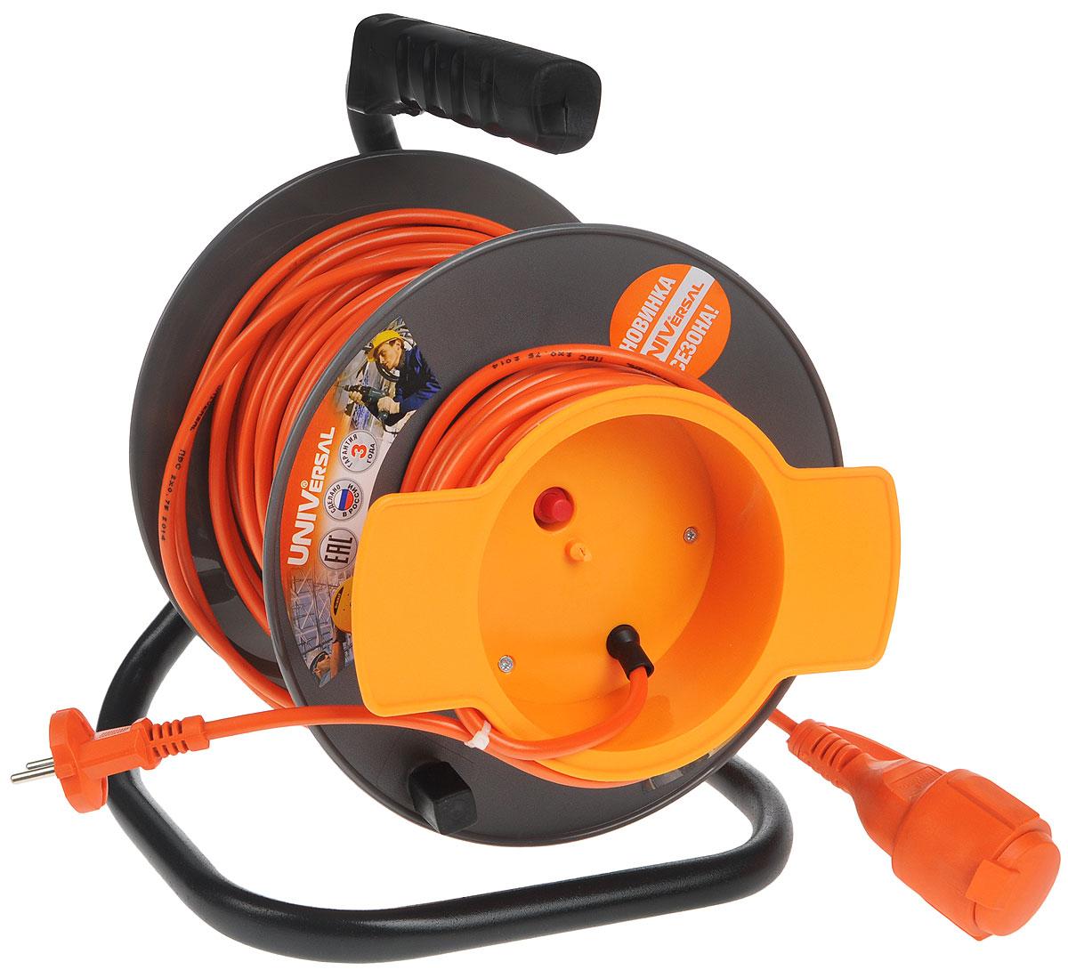 Удлинитель на катушке UNIVersal, без заземления, цвет: серый, оранжевый, 40 м9633261Удлинитель на катушке UNIVersal предназначен для подключения одного электроприбора. Будет полезен в гараже, на приусадебном участке, при проведении строительных, ремонтных и монтажных работ. Идеален для подключения газонокосилок, у которых предусмотрен короткий сетевой провод и фиксатор для соединения кабелей инструмента и удлинителя. Длина кабеля 40 метров позволит проводить необходимые работы на значительном расстоянии от источника питания. Рассчитан на напряжение 220В. Быстро сматывается/разматывается, экономя время оператора, удобен в хранении. Провод с поливинилхлоридной изоляцией обеспечивает надежность и безопасность работы. Характеристики: Длина провода: 40 м. Количество розеток: 1. Максимальная мощность: 1300 Вт. Максимальный ток: 6 A. Провод: ПВС 2 х 0,75 мм.