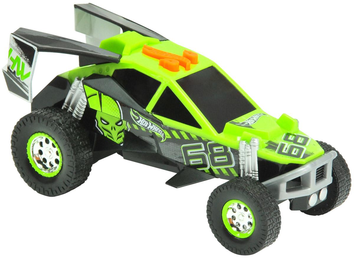 Hot Wheels Машинка BuggyHW90551Небольшая, очень стильная и яркая машинка Hot Wheels Buggy с электроприводом из серии Pedal Masher - превосходный выбор подарка для каждого юного поклонника игрушечных автомобилей, а особенно высокоскоростных гоночных авто. Корпус машины выполнен в насыщенных зеленом и черном цветах. Машинка является электромеханической - работает от батареек, запускается в движение электроприводом, встроенным в модель, при помощи кнопки, расположенной в верхней части корпуса. Машинка оснащена звуковыми и световыми эффектами. Игрушка имеет как игровую, так и коллекционную ценность. Рекомендуется докупить 3 батарейки напряжением 1,5V типа ААА/LR03 (товар комплектуется демонстрационными).