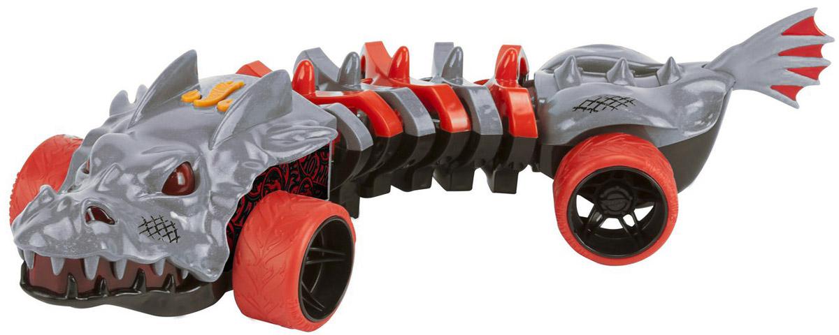 Hot Wheels Машинка SkullfaceHW90732Необычного вида машинка Hot Wheels Skullface из новой серии Mutant Machines, двигающаяся по виляющей траектории - отличный подарок для каждого любителя игрушечных авто. Автомобиль выполнен в ярком агрессивном дизайне, стилизованном под фантастического дракона, цветовая гамма сочетает серый и красный цвета. При движении игрушка издает звуковые эффекты. Машинка является электромеханической - работает от батареек, запускается в движение при помощи кнопки, расположенной в верхней части корпуса, оснащена звуковыми и световыми эффектами. Рекомендуется докупить 3 батарейки напряжением 1,5V типа ААА/LR03 (товар комплектуется демонстрационными).