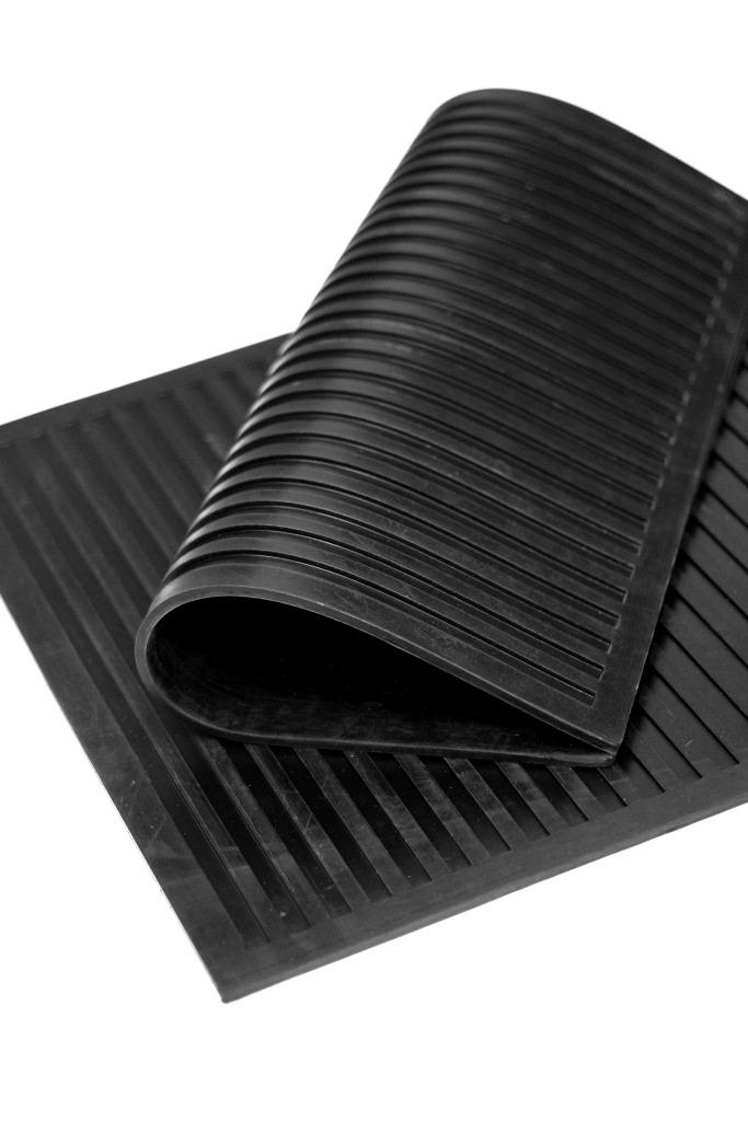 Коврик резиновый диэлектрический SunStep, цвет: черный, 50 х 50 см31-001Коврик резиновый диэлектрический. Размер 50x50 см, Цвет: чёрный, Производитель: SUNSTEP™