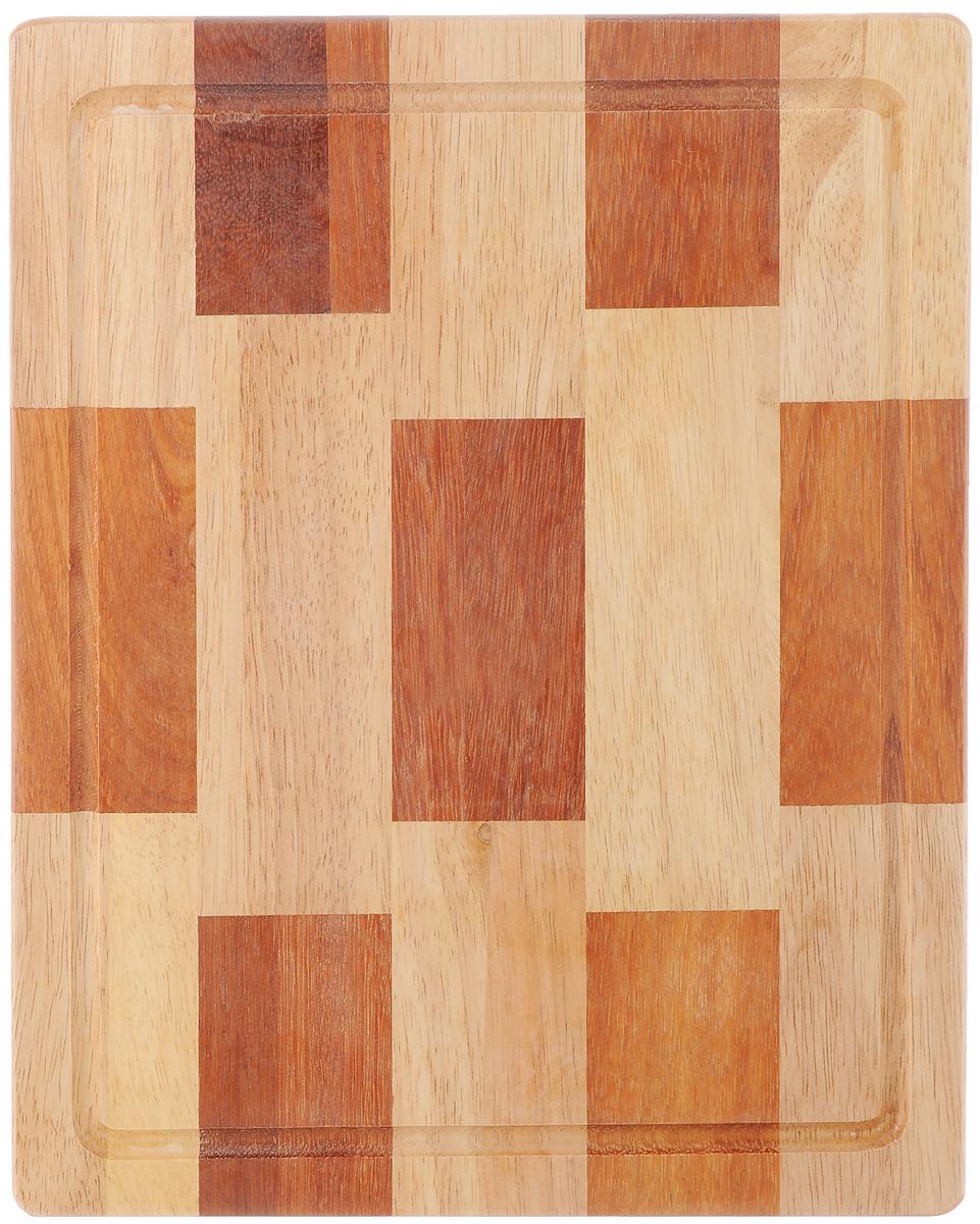 Доска разделочная House & Holder, 30 х 24,5 х 1,5 смB077Доска разделочная House & Holder изготовлена из гевеи. Гевея входит в семейство элитного красного дерева. Изделия из этого дерева отличаются твердостью, долговечностью и стойкостью к гниению. Доска оснащена ручкой для более удобного использования. Функциональная и простая в использовании, разделочная доска House & Holder прекрасно впишется в интерьер любой кухни и прослужит вам долгие годы. Не рекомендуется мыть в посудомоечной машине. Размер доски: 30 х 24,5 см. Толщина доски: 1,5 см.