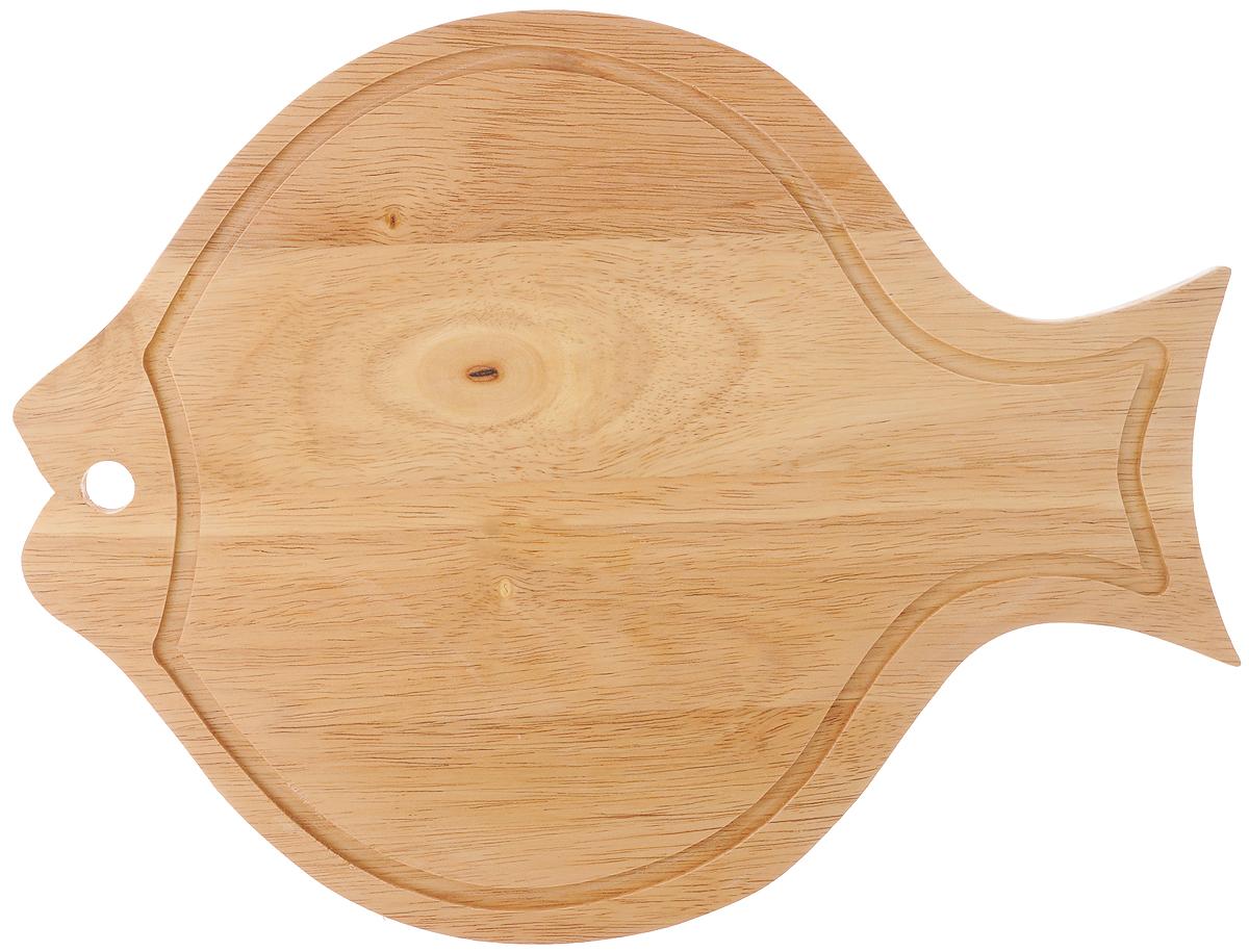 Доска разделочная House & Holder, с ручкой, 34 х 26 х 1,3 смB061Доска разделочная House & Holder изготовлена из гевеи. Гевея входит в семейство элитного красного дерева. Изделия из этого дерева отличаются твердостью, долговечностью и стойкостью к гниению. Доска в виде рыбки оснащена ручкой для более удобного использования. Функциональная и простая в использовании, разделочная доска House & Holder прекрасно впишется в интерьер любой кухни и прослужит вам долгие годы. Не рекомендуется мыть в посудомоечной машине. Размер доски: 34 х 26 см. Толщина доски: 1,3 см.