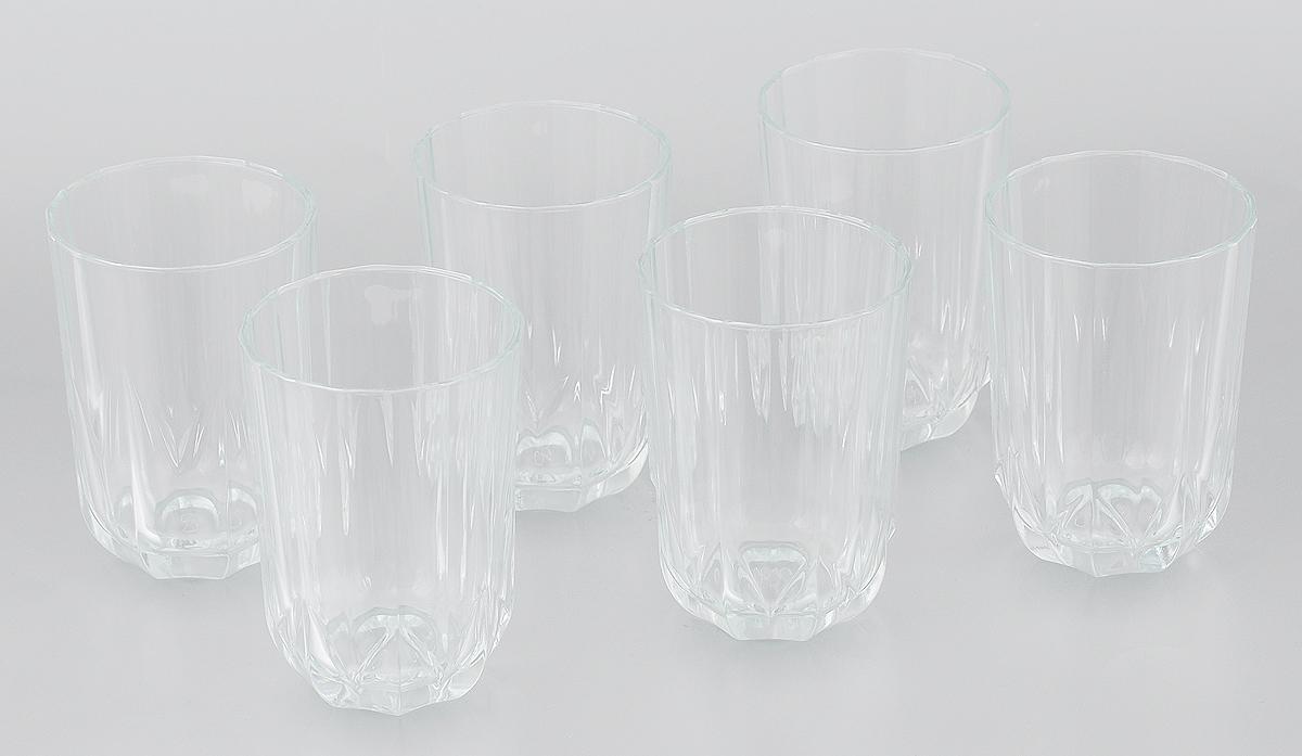 Набор стаканов Pasabahce Topaz, 220 мл, 6 шт52462Набор Pasabahce Topaz состоит из шести граненых стаканов, выполненных из прочного натрий-кальций-силикатного стекла. Стаканы прекрасно подходят для воды, сока, лимонада, компотов. Набор стаканов Pasabahce Topaz идеален для ежедневного использования. Функциональность, практичность и стильный дизайн сделают набор прекрасным дополнением к вашей коллекции посуды. Благодаря яркому необычному дизайну стаканы также красиво оформят праздничный стол. Можно мыть в посудомоечной машине и использовать в микроволновой печи при температуре до +70°С. Диаметр стакана (по верхнему краю): 6,5 см. Высота стакана: 10 см.