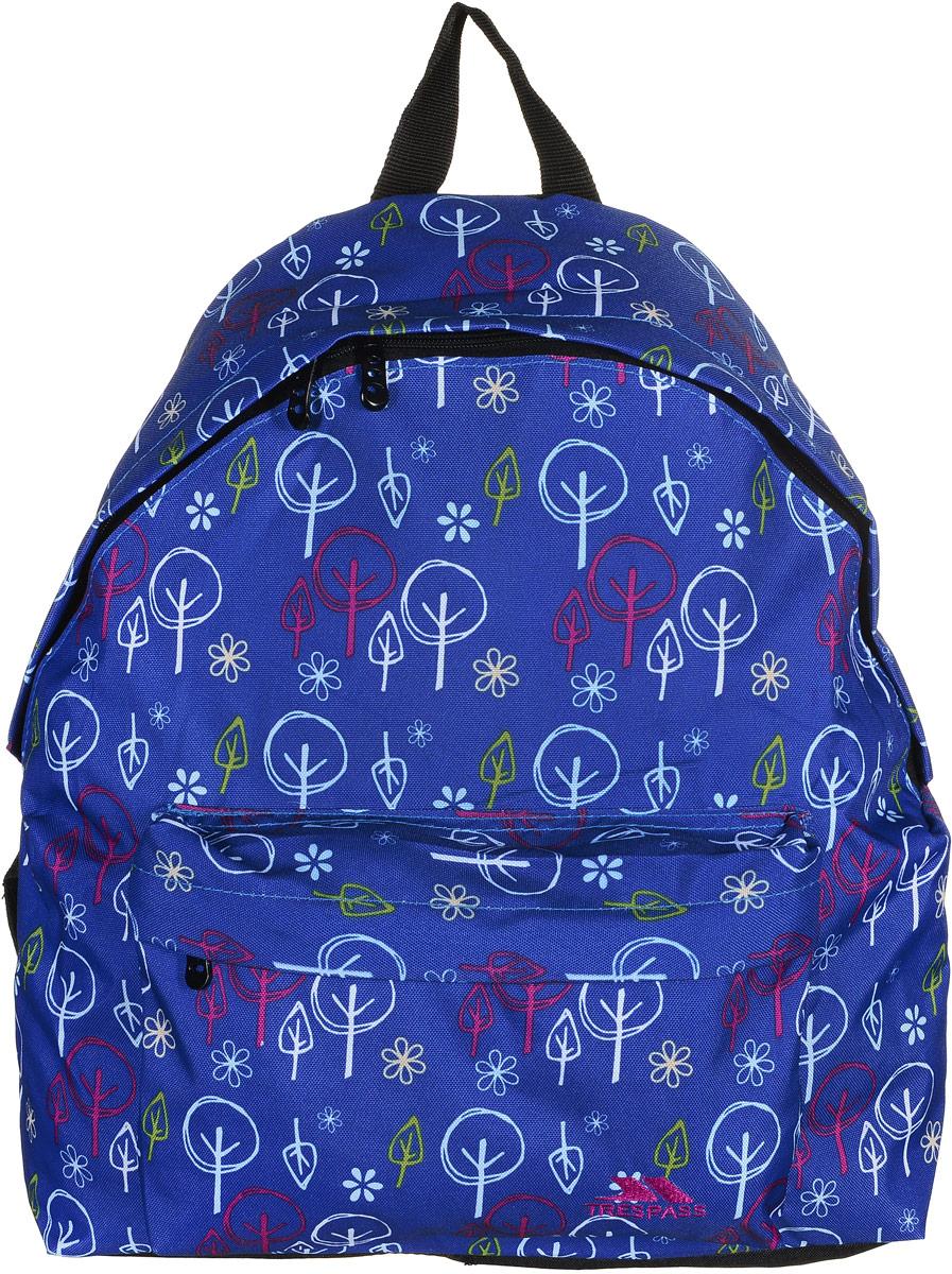 Рюкзак городской Trespass Britt, цвет: синий, 18 лUCACBAD10001Стильный рюкзак Britt от Trespass создан для любителей активного образа жизни. Модель выполнена из износоустойчивого текстиля, декорирована абстрактным изображением деревьев и цветов. Рюкзак имеет один фронтальный и один задний карман на молниях. В большом отделении имеется небольшой кармашек для мелочей. Удобство рюкзака обеспечивает мягкая подложка обращенной к спине части рюкзака, ручка для переноски из лямочной ленты и регулируемая длина лямок.