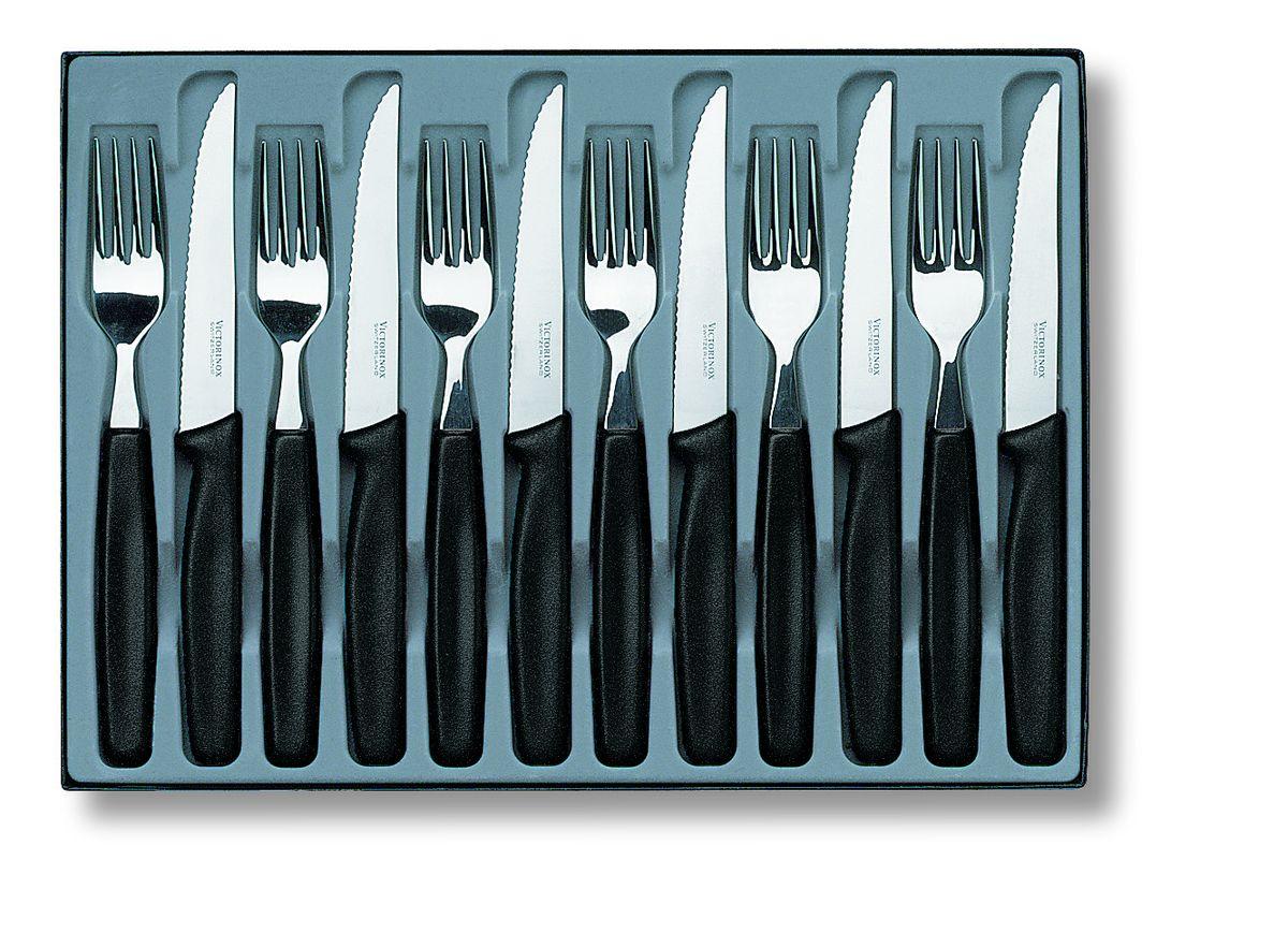 Набор столовых приборов Victorinox, 12 предметов5.1233.12Набор Victorinox состоит из 6 ножей и 6 вилок, изготовленных из высококачественной стали. Приборы имеют элегантные ручки из полипропилена. Качественная полировка и изящество форм предметов набора притягивают взгляд. Эксклюзивный дизайн, эстетичность и функциональность набора позволят ему занять достойное место среди кухонного инвентаря, а сервировка праздничного стола таким набором станет великолепным украшением любого торжества. Длина ножей: 21,2 см. Длина вилок: 19,7 см.