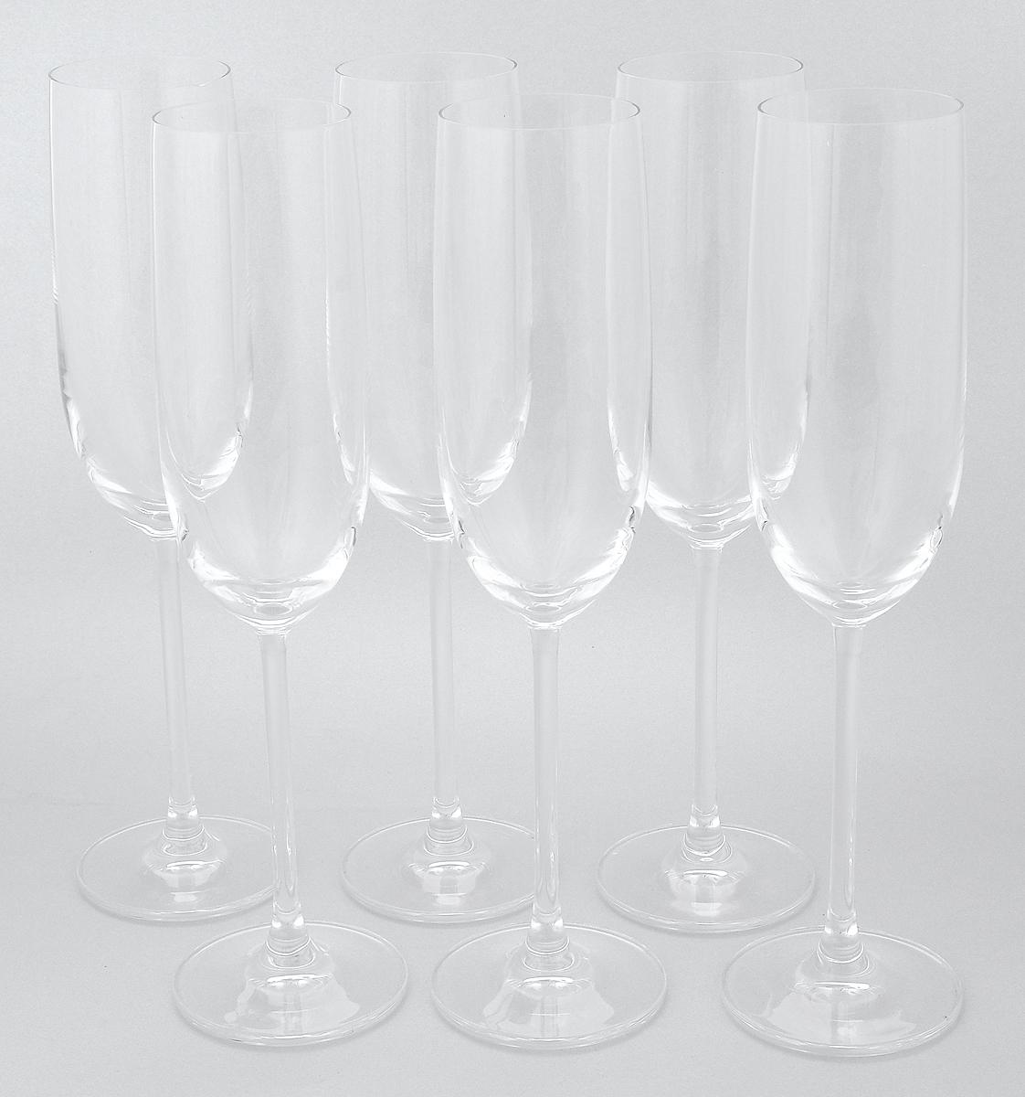 Набор бокалов Pasabahce Vintage, 220 мл, 6 шт66112NНабор Pasabahce Vintage состоит из шести бокалов, выполненных из прочного натрий-кальций-силикатного стекла. Изделия оснащены высокими ножками. Бокалы предназначены для подачи шампанского. Они сочетают в себе элегантный дизайн и функциональность. Благодаря такому набору пить напитки будет еще вкуснее. Набор фужеров Pasabahce Vintage прекрасно оформит праздничный стол и создаст приятную атмосферу за романтическим ужином. Такой набор также станет хорошим подарком к любому случаю. Можно мыть в посудомоечной машине и использовать в холодильнике. Диаметр фужера (по верхнему краю): 4,8 см. Высота фужера: 24,2 см.