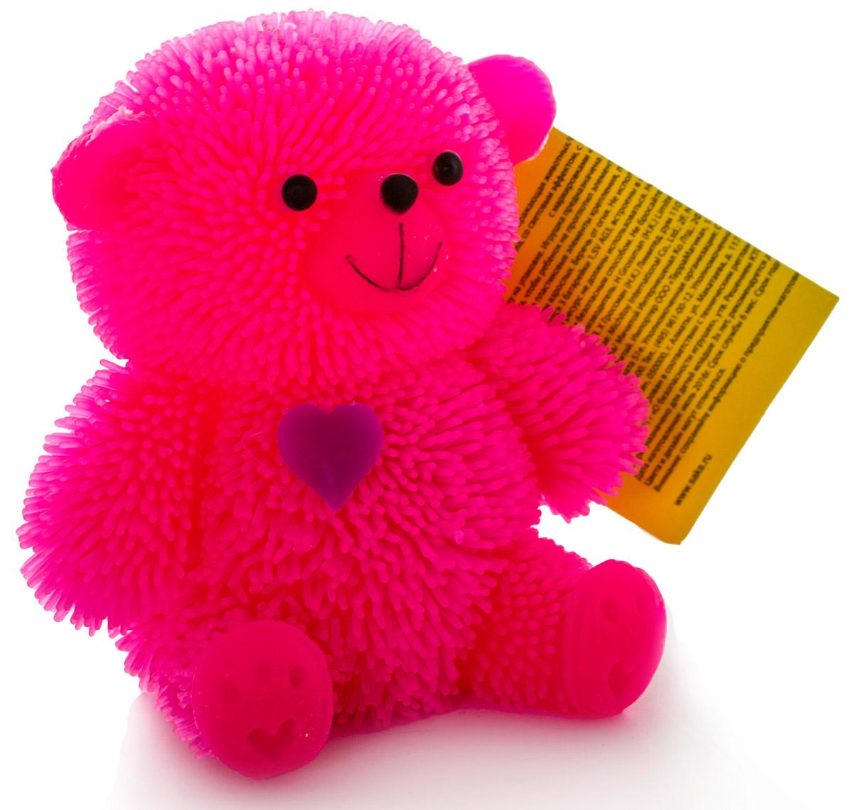 HGL Фигурка Медведь с подсветкой цвет розовыйSV10998_розовыйФигурка Медведь это мягкая резиновая игрушка в виде розового медвежонка с резиновым ворсом. Взяв игрушку в руки, расстаться с ней просто невозможно! Её не только приятно держать в руках, если перекинуть игрушку из руки в руку, она начнёт мигать цветными огоньками. Данная игрушка рассчитана на широкую целевую аудиторию, как детей от пяти лет, так и взрослых. Медведь обязательно станет вашим самым любимым забавным сувениром. Игрушка работает от незаменяемых батареек.