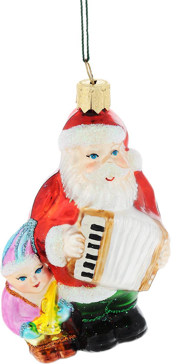 Украшение новогоднее подвесное Winter Wings Дед Мороз с гармошкой, высота 9 смN07117Новогоднее украшение Winter Wings Дед Мороз с гармошкой отлично подойдет для декорации вашего дома и новогодней ели. Изделие, выполненное из стекла, декорировано блестками и оснащено специальной петелькой для подвешивания. Елочная игрушка - символ Нового года. Она несет в себе волшебство и красоту праздника. Создайте в своем доме атмосферу веселья и радости, украшая всей семьей новогоднюю елку нарядными игрушками, которые будут из года в год накапливать теплоту воспоминаний.