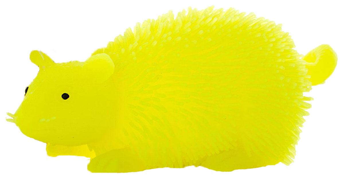 HGL Фигурка Мышь с подсветкой цвет желтыйSV11195_желтыйФигурка HGL Мышь - это мягкая резиновая игрушка в виде мышки с резиновым ворсом. Взяв игрушку в руки, расстаться с ней просто невозможно! Её не только приятно держать в руках: если перекинуть игрушку из руки в руку, она начнёт мигать цветными огоньками. Данная игрушка рассчитана на широкую целевую аудиторию - как детей от пяти лет, так и взрослых. Мышь обязательно станет самым любимым забавным сувениром. Игрушка работает от 3 незаменяемых батареек AG3 (LR41).