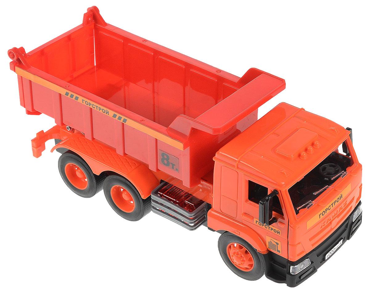 Технопарк Самосвал инерционный KAMAZWY301KМашинка ТехноПарк Самосвал KAMAZ, выполненная из пластика и металла, станет любимой игрушкой вашего малыша. Игрушка представляет собой модель мощного и вместительного самосвала. У нее откидывается кабина, под которой расположен двигатель. Также можно поднять или опустить кузов. При нажатии на кнопку сбоку машины в кабине замигают огоньки, загорятся фары и прозвучит звук работающего двигателя. Игрушка оснащена инерционным механизмом. Машинку необходимо отвести назад, затем отпустить - и она быстро поедет вперед. Прорезиненные колеса обеспечивают надежное сцепление с любой поверхностью пола. Ваш ребенок будет часами играть с этой машинкой, придумывая различные истории. Порадуйте его таким замечательным подарком! Машинка работает от батареек (товар комплектуется демонстрационными).