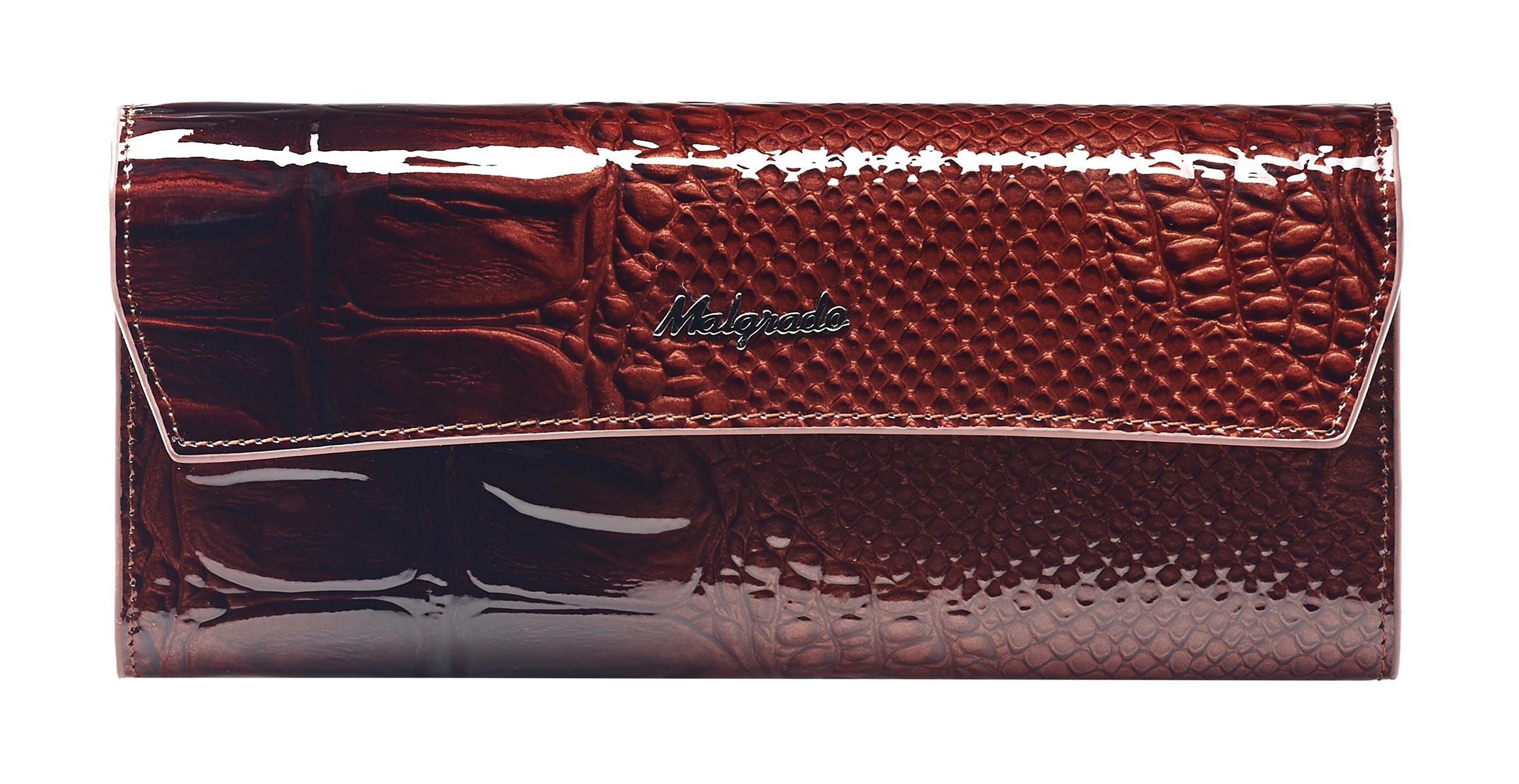 Кошелек женский Malgrado, цвет: коричневый. 75504-0440375504-04403 BrownСтильный женский кошелек Malgrado выполнен из натуральной лакированной кожи с тиснением под рептилию и оформлен металлической фурнитурой с символикой бренда. Изделие закрывается клапаном на кнопку. Внутри расположены три отделения для купюр, отделение для монет на молнии, два накладных кармана, три накладных кармана для пластиковых карт. Снаружи, на тыльной стороне кошелька, расположен накладной карман. Изделие поставляется в фирменной упаковке. Кошелек Malgrado станет отличным подарком для человека, ценящего качественные и практичные вещи.