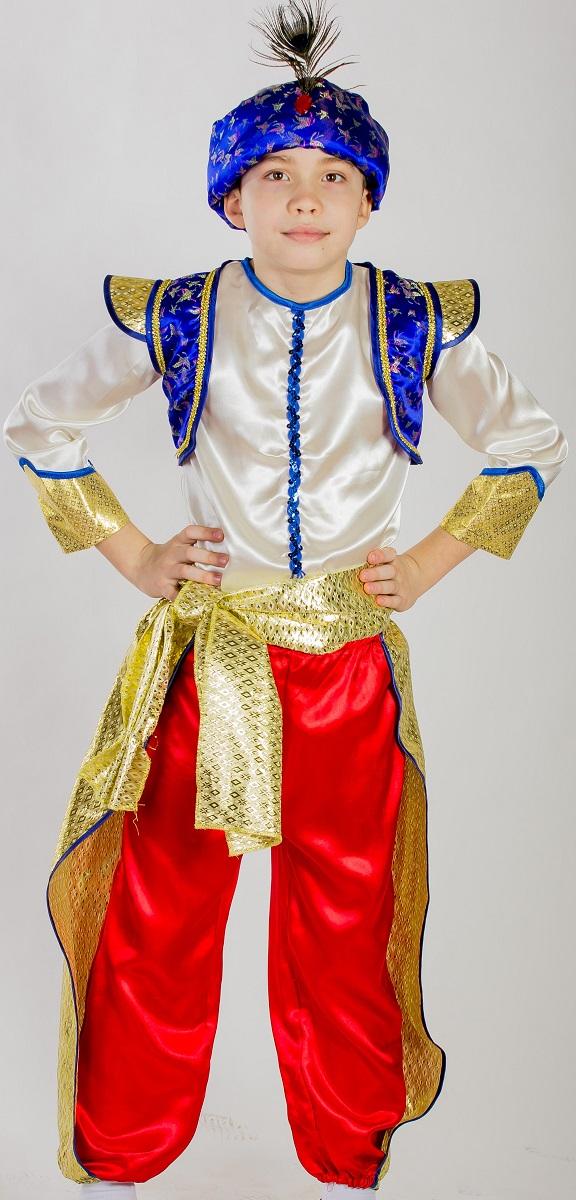 Карнавалия Карнавальный костюм для мальчика Восточный принц размер 11085206Яркий детский карнавальный костюм Карнавалия Восточный принц позволит вашему ребенку быть самым интересным героем на детском утреннике, бале-маскараде или карнавале. В комплект входят брюки, рубашка, жилетка, чалма, пояс. Чалма украшена настоящим пером павлина. Брюки на резинке. Рост ребенка: 110 см. Материал: 100% полиэстер. В этом костюме ваш ребенок почувствует себя настоящим восточным принцем! Костюм привлечет внимание друзей вашего ребенка и подчеркнет его индивидуальность. Веселое настроение и масса положительных эмоций будут обеспечены!