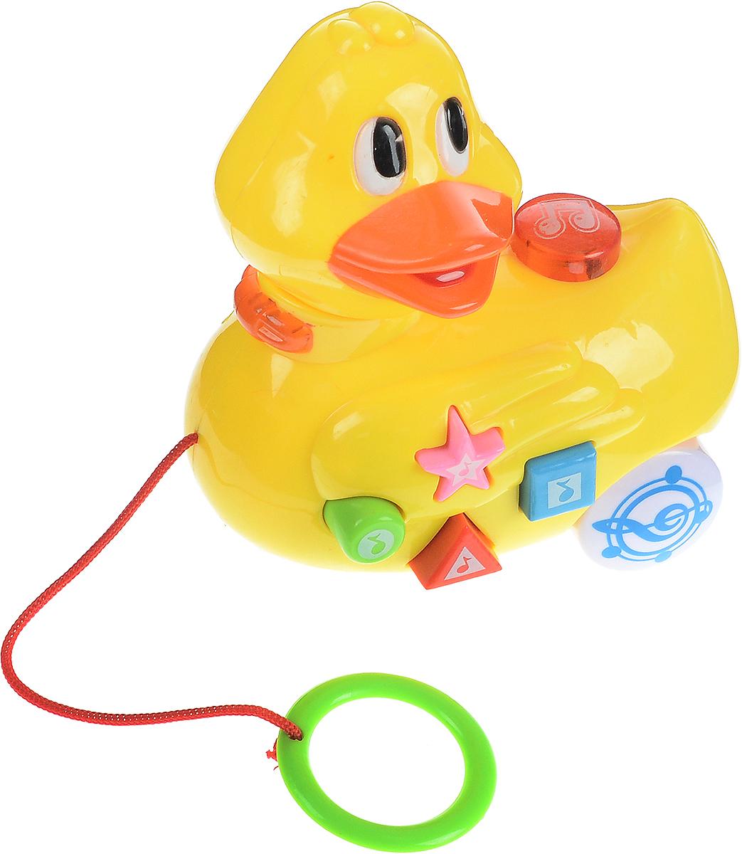 Умка Игрушка-каталка Музыкальная уточка с потешкамиB795360-RИгрушка-каталка Умка Музыкальная уточка с потешками станет любимой игрушкой вашего малыша. Изделие выполнено из высококачественного материала, экологически безопасного для ребенка, использованные красители не токсичны. Яркая уточка с разноцветными кнопочками обязательно заинтересует ребенка. Игрушка-каталка содержит 12 потешек и имеет световые эффекты. Голова-трещотка. Такая игрушка будет подталкивать ребенка больше ходить, развивает мелкую моторику, координацию движений, а также цветовое и звуковое восприятие. Рекомендуется докупить 2 батарейки напряжением 1,5V типа АА (товар комплектуется демонстрационными).