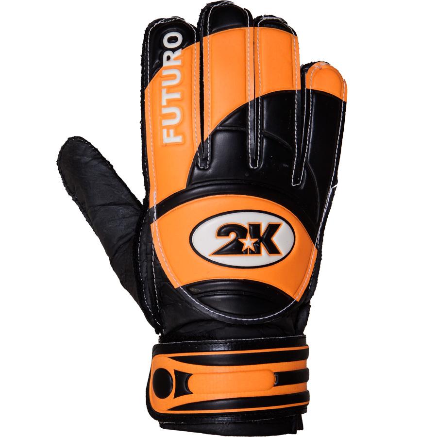 Перчатки вратарские 2K Sport Futuro, цвет: черный, оранжевый, белый. Размер 4124909-black-orange2K Sport Futuro - это отличный вариант для начинающих вратарей. Ладонь, выполненная из латекса, обеспечивает отличное сцепление даже при игре в дождливую погоду. Верх выполнен из высококачественного полиуретана. Оригинальные манжеты препятствуют травмам. Широкая застежка обеспечивает плотное облегание кисти рук вратаря. Обхват ладони: 15 см.