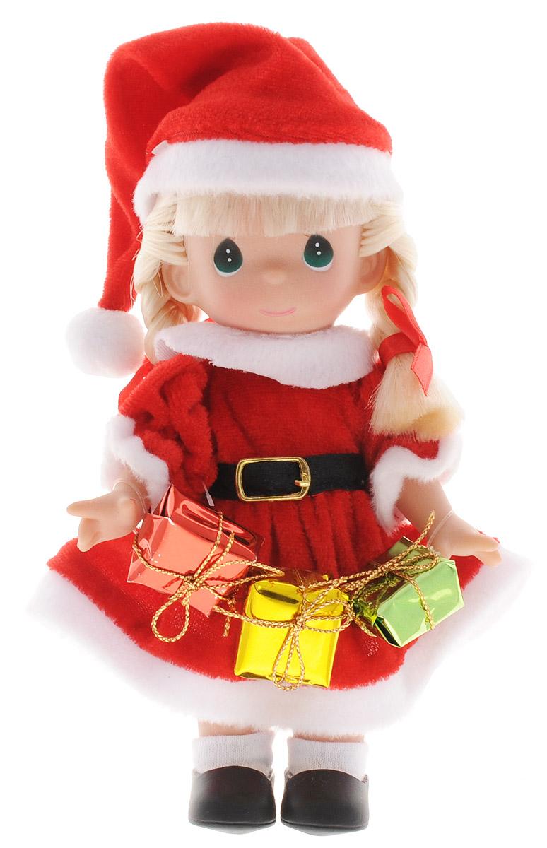 Precious Moments Мини-кукла Подарок для Санты блондинка2161Какие же милые эти куколки Precious Moments. Создатель этих очаровательных крошек настоящая волшебница - Линда Рик - оживила свои творения, каждая кукла обрела свой милый и неповторимый образ. Эти крошки могут сопровождать вас в чудесных странствиях и сделать каждый момент вашей жизни незабываемым! Очаровательная мини-кукла Подарок для Санты станет отличным подарком для любой девочки на Новый год и Рождество. Куколка одета в костюм Санта-Клауса, а в руках держит подарки. У куклы светлые волосы, заплетенные в две косички и большие зеленые глаза. Одежда у куклы съемная, руки и голова подвижные. Благодаря играм с куклой, ваша малышка сможет развить фантазию и любознательность, овладеть навыками общения и научиться ответственности. Порадуйте свою принцессу таким прекрасным подарком! Куколка поставляется в коробке в виде новогоднего сапожка.