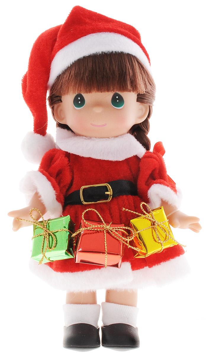 Precious Moments Мини-кукла Подарок для Санты брюнетка2162Какие же милые эти куколки Precious Moments. Создатель этих очаровательных крошек настоящая волшебница - Линда Рик - оживила свои творения, каждая кукла обрела свой милый и неповторимый образ. Эти крошки могут сопровождать вас в чудесных странствиях и сделать каждый момент вашей жизни незабываемым! Очаровательная мини-кукла Подарок для Санты станет отличным подарком для любой девочки на день рождения или другой праздник. Куколка одета в костюм Санта-Клауса, а в руках держит подарки. У куклы темные волосы, заплетенные в две косички и большие зеленые глаза. Куколка поставляется в коробке в виде новогоднего сапожка. Благодаря играм с куклой, ваша малышка сможет развить фантазию и любознательность, овладеть навыками общения и научиться ответственности. Порадуйте свою принцессу таким прекрасным подарком!