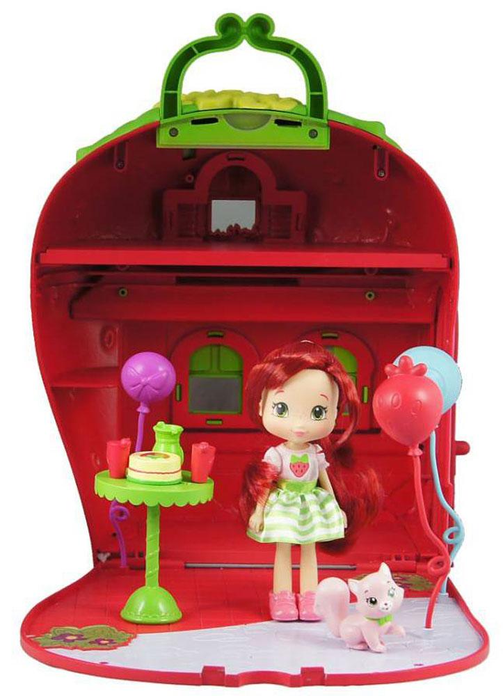 Шарлотта Земляничка Игровой набор с мини-куклой Земляничный дом12267Игровой набор Шарлотта Земляничка Земляничный дом привлечет внимание вашей малышки. Шарлотта Земляничка любит встречать в своем домике друзей, приходи на праздник к ней!Набор включает куклу Земляничку, питомца, земляничный дом, набор шариков и стойку с угощениями. Кукла выполнена из высококачественного пластика в виде персонажа популярного мультсериала Шарлотта Земляничка. Куколка с длинными красными волосами одета в яркое летнее платье на липучке, которое при необходимости можно снять; на ножках - розовые ботиночки. Ручки, ножки и головка Землянички подвижны, благодаря чему ей можно придавать различные позы. Ваша малышка с удовольствием будет играть с этим набором, делая кукле разные прически и придумывая необыкновенные истории! Главные героини мультсериала, маленькие девочки Земляничка, Малинка, Черничка, Лимонка, Апельсинка и Сливка живут в траве и творят разные добрые дела. Живут они в сказочном городке, где постоянно находят себе приключения...