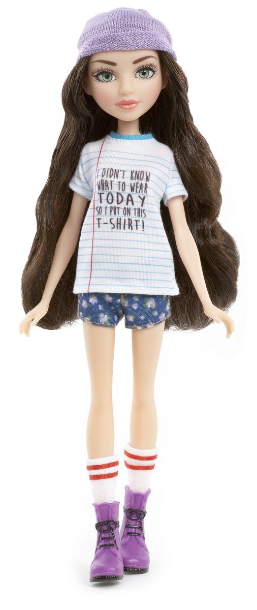 MС2 Кукла МакКейла537533Кукла MС2 МакКейла создана по мотивам телесериала для девочек Project MC2. Она выглядит очень ярко и эффектно. У нее длинные волнистые волосы, красивое лицо с элегантным макияжем и невероятно живые глаза. Одета куколка в домашнюю футболку с забавной надписью - Я не знала, что надеть сегодня, поэтому надела эту футболку. У нее короткие пижамные шортики, вязаная шапочка и ботинки с длинными гольфами (скреплены вместе). У МакКейлы подвижные руки, ноги, запястья и шея. Она может принимать различные позы, а значит сюжетно-ролевая игра с ней станет еще более интересной и увлекательной. В комплекте с куклой идет расческа в виде лабораторного стаканчика, с помощью которой ваша малышка сможет делать МакКейле различные прически. Порадуйте вашего ребенка таким прекрасным подарком.