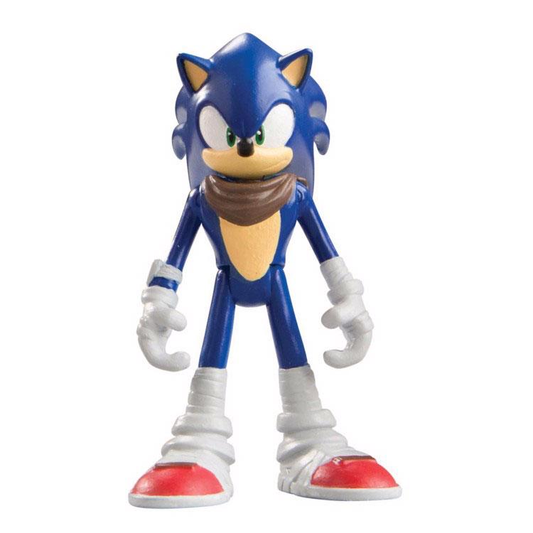Sonic Boom Фигурка СоникT22001Фигурка Sonic Boom Соник выполнена из безопасного пластика в виде персонажа мультфильма Sonic Boom. У фигурки подвижные руки, ноги и голова. Такая фигурка непременно придется по душе вашему ребенку и станет замечательным украшением любой коллекции. Миниатюрная фигурка полная копия своего мультипликационного прототипа. Соник - синий еж, получивший способность передвигаться со скоростью звука. Дружелюбный и приветливый, честный и не приемлющий предательства, бесстрашный и упрямый, очень свободолюбивый и немного легкомысленный. Он обожает приключения и очень любит путешествовать. Размеренная жизнь навевает на него смертельную скуку, поэтому Соник живет «на полную катушку», не боится рисковать и всегда готов ввязаться в опасное предприятие.