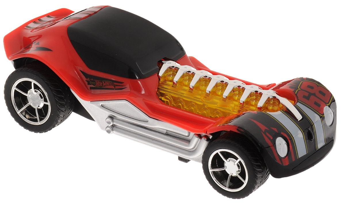 Hot Wheels Машинка инерционная DieselboyHW90712Инерционная машинка Hot Wheels Dieselboy со световыми и звуковыми эффектами из серии Stretch FX - отличный подарок для любителей игрушечных авто, скоростных гонок и для коллекционеров легендарных автомобилей Hot Wheels. Игрушка оснащена инерционным механизмом и имеет две функциональные особенности или способа игры: растяните корпус машинки для запуска автомобиля в движение, либо потяните машинку назад и отпустите для того, чтобы помимо колес активировались световые эффекты, звук движущегося автомобиля и музыка. Машинка выполнена в красном цвете с черными элементами дизайна. Эффектный внешний вид гоночного авто весьма удачно дополняют блестящие хромированные детали. Машинка изготовлена из высококачественного пластика. Игрушка имеет как игровую, так и коллекционную ценность. Рекомендуется докупить 2 батарейки напряжением 1,5V типа LR44/AG13 (товар комплектуется демонстрационными).