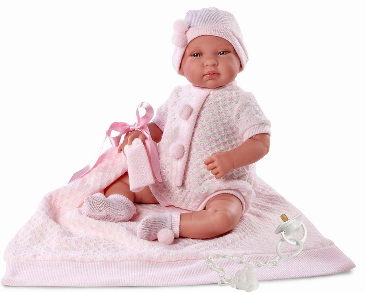 Llorens Пупс Младенец с одеялом цвет одежды розовыйL 84408Пупс Llorens Младенец порадует вашу малышку и доставит ей много удовольствия от часов, посвященных игре с ней. Куколка выполнена в виде младенца-девочки. Кукла с реалистичными серыми глазками выглядит совсем как настоящий ребенок. На кукле очаровательный комбинезон, розовая шапочка, а на ножках - уютные носочки. В комплект также входит соска на прищепке и мягкое трикотажное одеяло. Пупс выполнен с анатомической точностью. Ручки, ножки и голова подвижны и изготовлены из высококачественного пластика, тело мягконабивное. Пупс имеет реалистичные глазки и нежные реснички. Младенец имеет высокую степень детализации и заинтересует не только детей, но и взрослых коллекционеров. Игра с куклой разовьет в вашей малышке чувство ответственности и заботы. Порадуйте ее таким великолепным подарком!