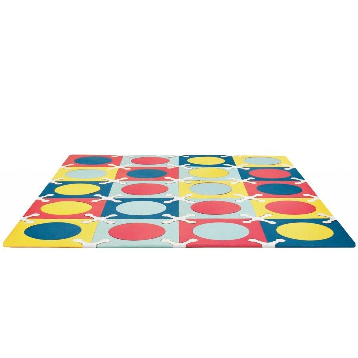 Skip Hop Напольный коврик Мульти миксSH 242026Напольный коврик Skip Hop Мульти микс для организации игрового места ребёнка состоит из сегментов разной геометрической формы и цвета, которые соединяются между собой по типу пазлов. Мягкий и плотный полимерный материал абсолютно безопасен для ребёнка, он приятен для его тактильных ощущений и служит хорошим теплоизолятором. Малышам будет интересно создавать различные конфигурации коврика и цветовые комбинации, развивая моторику рук и пространственное воображение. Особенности: Напольный коврик-пазл предназначен для создания безопасной и комфортной игровой зоны малыша и развития его творческих способностей. Все сегменты коврика исполнены из мягкого и безопасного современного материала, стильной расцветки, которая прекрасно гармонирует с интерьером квартиры. Благодаря коврику родители смогут организовать игровое пространство малыша, создавая яркую, безопасную и комфортную поверхность для игр. Коврик можно собрать из квадратов и...