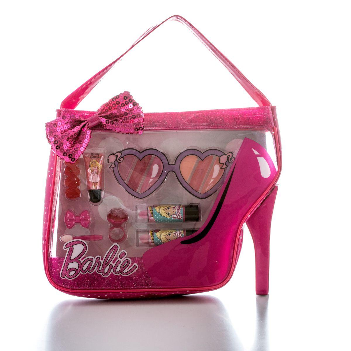 Markwins Игровой набор детской декоративной косметики Barbie в сумочке9600951Состав набора: блеск для губ в тубе 1 шт., губные помады в футлярах 2 шт., блеск для губ в колечке 1 шт., палитра блесков для губ из 6 оттенков, заколочки для волос 2 шт., аппликатор 1 шт., сумочка 1 шт.