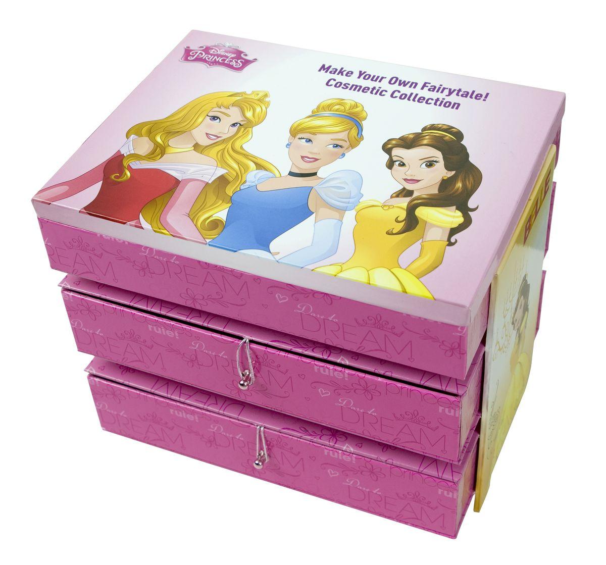 Markwins Игровой набор детской декоративной косметики Princess 96042519604251Набор декоративной косметики Markwins - отличный подарок для каждой девочки! В набор входит все необходимое для создания безупречного образа: макияжа, маникюра и педикюра, которые можно дополнить стильными аксессуарами. Косметику очень удобно хранить в комоде, который также входит в комплект. На нем изображены героини популярных мультфильмов Дисней. Детская косметика Markwins создана с соблюдением самых высоких европейских стандартов безопасности. Продукция не содержит парабенов, метилизотиазолинона, пальмового масла. Предназначена для детей от 7 лет. Несмотря на высокое качество продукции и ее общую гипоаллергенность, производитель рекомендует проверить индивидуальную реакцию на косметику перед ее использованием. Просто нанесите на кожу немного косметики и подержите 30-60 минут. Если на коже появится покраснение, следует прекратить использование продукции. Эта аллергическая реакция проявляется очень редко и зависит от индивидуальных особенностей организма. Условия...