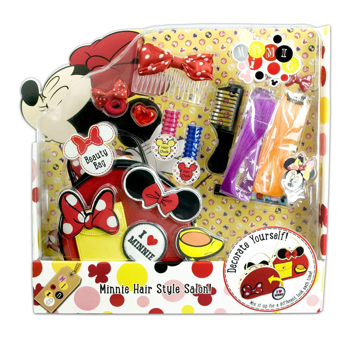 Markwins Игровой набор детской декоративной косметики Minnie 96055519605551Набор детской декоративной косметики Markwins - отличный подарок для девочек! Набор предназначен для создания стильных, оригинальных причесок. Для этого в комплект входит все самое необходимое - заколки, резиночки и другие интересные аксессуары. Хранить их можно в удобной сумочке, которая также входит в комплект. Оформление упаковки особенно понравится поклонницам очаровательной стиляги - мышки Минни. Детская косметика Markwins создана с соблюдением самых высоких европейских стандартов безопасности. Продукция не содержит парабенов, метилизотиазолинона, пальмового масла. Предназначена для детей от 7 лет. Несмотря на высокое качество продукции и ее общую гипоаллергенность, производитель рекомендует проверить индивидуальную реакцию на косметику перед ее использованием. Просто нанесите на кожу немного косметики и подержите 30-60 минут. Если на коже появится покраснение, следует прекратить использование продукции. Эта аллергическая реакция проявляется очень редко и зависит от...