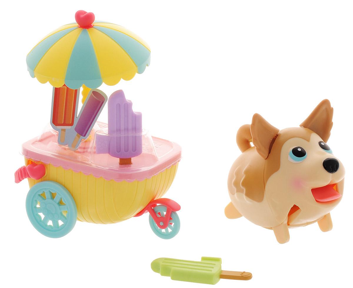 Chubby Puppies Набор фигурок Хаски и тележка с мороженым56713_хаски, 20073821Набор фигурок Chubby Puppies Хаски и тележка с мороженым непременно понравится вашему ребенку. В набор входят фигурка очаровательного щенка хаски и тележка с мороженым. Тележка оборудована колесами, ручкой и зонтиком. Сверху тележка дополнена двумя цветными эскимо. Щеночек умеет забавно передвигаться, шагая вразвалку, и даже везти перед собой тележку, благодаря чему игра с ним становится еще более интересной и увлекательной. Язык, хвостик и ушки у собачки подвижные. Набор выполнен из яркого качественного пластика и совершенно безопасен для здоровья вашего ребенка. Порадуйте вашего малыша таким замечательным подарком! Для работы требуется 1 батарейка типа ААА (входит в комплект).