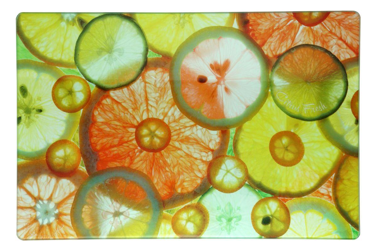 Доска разделочная GiftnHome Цитрусовый фреш, стеклянная, 20 х 30 смCB-CitrusРазделочная доска GiftnHome Цитрусовый фреш выполнена из закаленного жаропрочного стекла, которое выдерживает температуру до 90°С. Специальное покрытие обеспечивает стойкость к влаге и высоким температурам. Доска идеально подходит для разделки мяса, рыбы, для нарезки овощей и других продуктов. Также ее можно использовать для сервировки пищи и как подставку под горячее. Силиконовые ножки, расположенные на основании, не позволят разделочной доске скользить по столу. Легко моется. Благодаря оригинальному дизайну она подойдет под любой интерьер. Модные дизайнерские принты сделают вашу кухню стильной и современной. Можно мыть в посудомоечной машине.