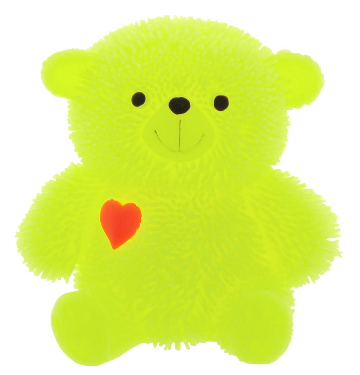 HGL Фигурка Медведь с подсветкой цвет желтыйSV10998_желтыйФигурка Медведь - это мягкая резиновая игрушка в виде желтого медвежонка с резиновым ворсом. Взяв игрушку в руки, расстаться с ней просто невозможно! Её не только приятно держать в руках: если перекинуть игрушку из руки в руку, она начнёт мигать цветными огоньками. Данная игрушка рассчитана на широкую целевую аудиторию - как детей от пяти лет, так и взрослых. Медведь обязательно станет самым любимым забавным сувениром. Игрушка работает от незаменяемых батареек.