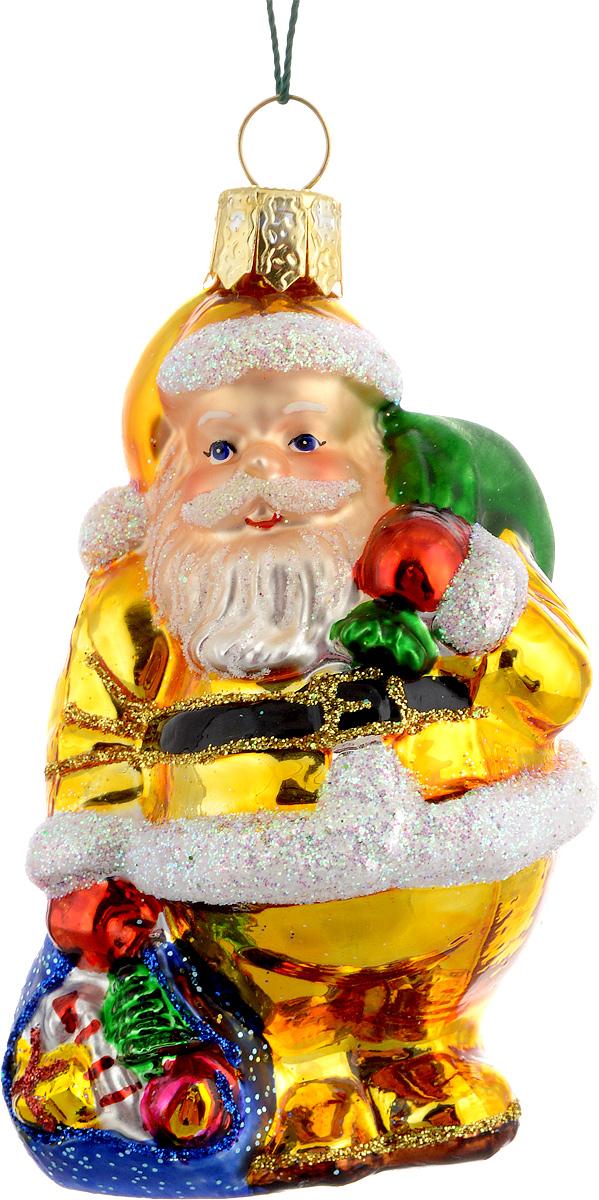 Украшение новогоднее подвесное Winter Wings Дед Мороз, цвет: белый, золотой, длина 8 смN07203Новогоднее подвесное украшение Winter Wings Дед Мороз выполнено из стекла и украшено блестками. С помощью специальной петельки украшение можно повесить в любом понравившемся вам месте. Но, конечно, удачнее всего оно будет смотреться на праздничной елке. Елочная игрушка - символ Нового года. Она несет в себе волшебство и красоту праздника. Создайте в своем доме атмосферу веселья и радости, украшая новогоднюю елку нарядными игрушками, которые будут из года в год накапливать теплоту воспоминаний. Материал: стекло. Длина: 8 см.