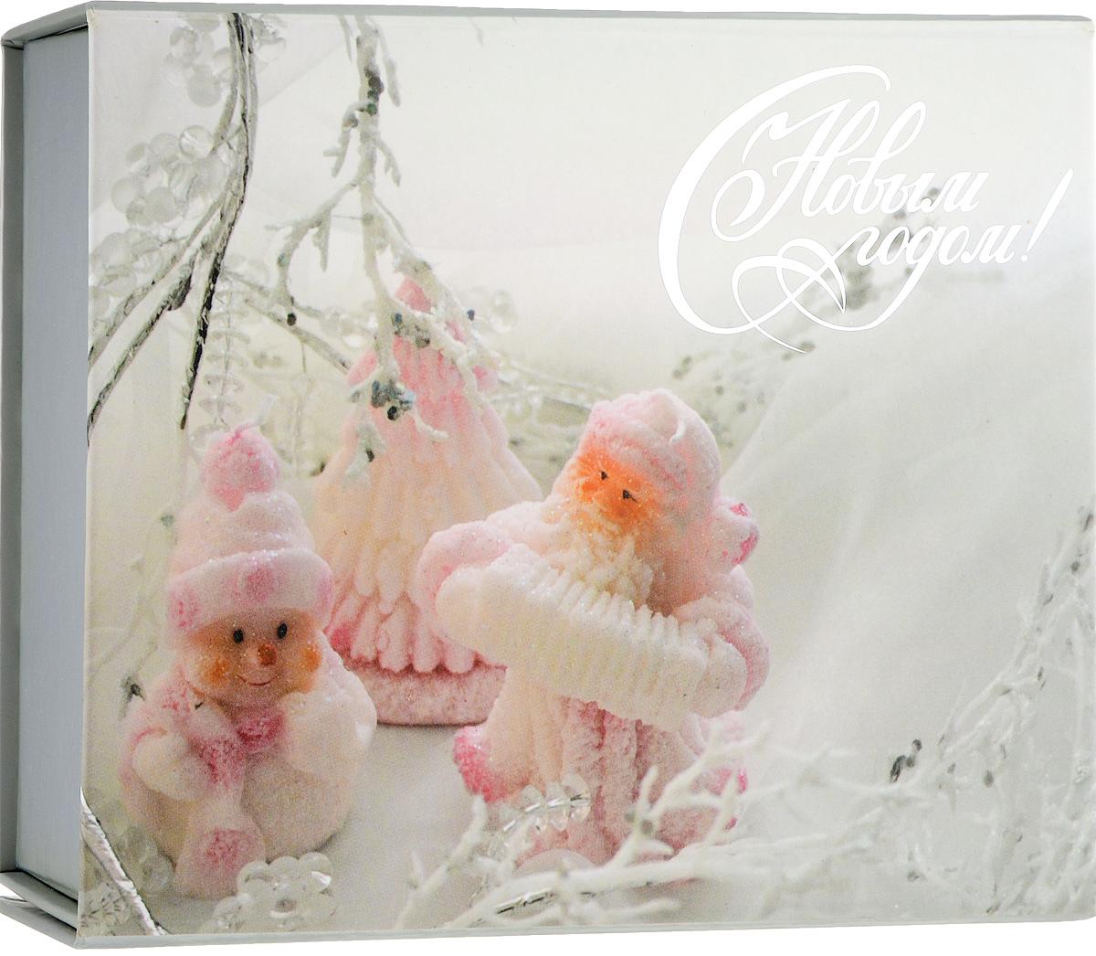 Коробка подарочная Winter Wings, 15,5 х 13 х 5 смN14046Подарочная коробка Winter Wings выполнена из картона. Крышка оформлена красивым изображением. Подарочная коробка - это наилучшее решение, если вы хотите порадовать ваших близких и создать праздничное настроение, ведь подарок, преподнесенный в оригинальной упаковке, всегда будет самым эффектным и запоминающимся. Окружите близких людей вниманием и заботой, вручив презент в нарядном, праздничном оформлении. Размеры: 15,5 х 13 х 5 см.