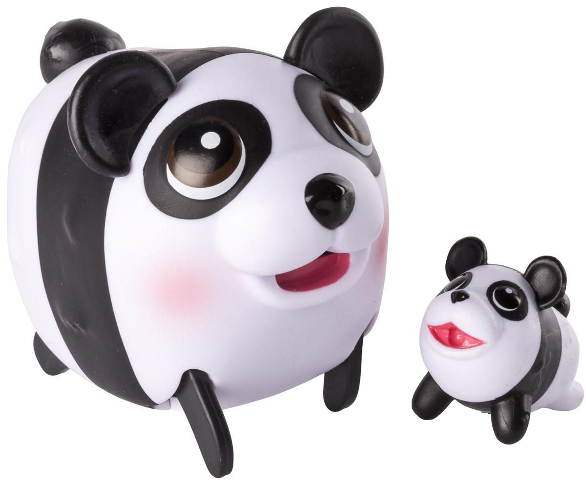 Chubby Puppies Набор фигурок Панда56709_20074363_пандаНабор фигурок Chubby Puppies Панда - это функциональная фигурка забавной панды и ее точная миниатюрная копия, которые наверняка понравятся вашему ребенку. Панда умеет забавно передвигаться, шагая вразвалку, благодаря чему игра с ней становится еще более интересной и увлекательной. Фигурка умеет ходить не только покачиваясь, но и на задних лапах! Хвостик и ушки у панды подвижные. Набор предназначен для увлекательной сюжетно-ролевой игры и выглядит очень ярко и эффектно. Набор выполнен из качественного пластика и совершенно безопасен для здоровья вашего ребенка. Порадуйте вашего малыша таким замечательным подарком! Для работы требуется 1 батарейка напряжением 1,5 V типа ААА (входит в комплект).