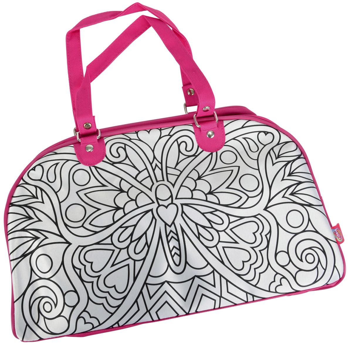 Simba Сумка детская Weekend6371461Замечательная и необычная сумочка Simba Weekend станет чудесным творческим подарком для вашей девочки. Изначально на стороны сумочки нанесен черно-белый контур нарисованной бабочки. В наборе с сумочкой прилагаются 5 перманентных водостойких маркеров, которыми ваша малышка может раскрасить свою сумочку так, как захочет, дав волю своей фантазии и творческому порыву. Один из маркеров отличается от остальных - рисунок, нанесенный им способен менять свой цвет в зависимости от освещения! Сумка не предназначена для стирки. Для очистки используйте влажную ткань и мягкое мыло. Данный набор ориентирован на развитие у детей творческих навыков и придания им индивидуальности.