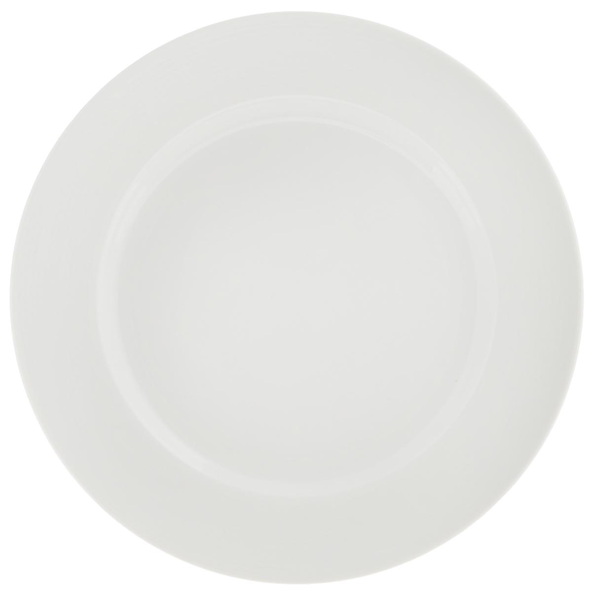 Тарелка десертная Tescoma Opus Stripes, диаметр 20 см385120Десертная тарелка Tescoma Opus Stripes изготовлена из фарфора. Изделие оформлено рельефным рисунком и имеет изысканный внешний вид. Такая тарелка прекрасно подходит как для торжественных случаев, так и для повседневного использования. Идеальна для подачи десертов, пирожных, тортов и многого другого. Она прекрасно оформит стол и станет отличным дополнением к вашей коллекции кухонной посуды. Пригодна для использования в микроволновой печи. Можно мыть в посудомоечной машине. Диаметр тарелки (по верхнему краю): 20 см. Высота тарелки: 2,2 см