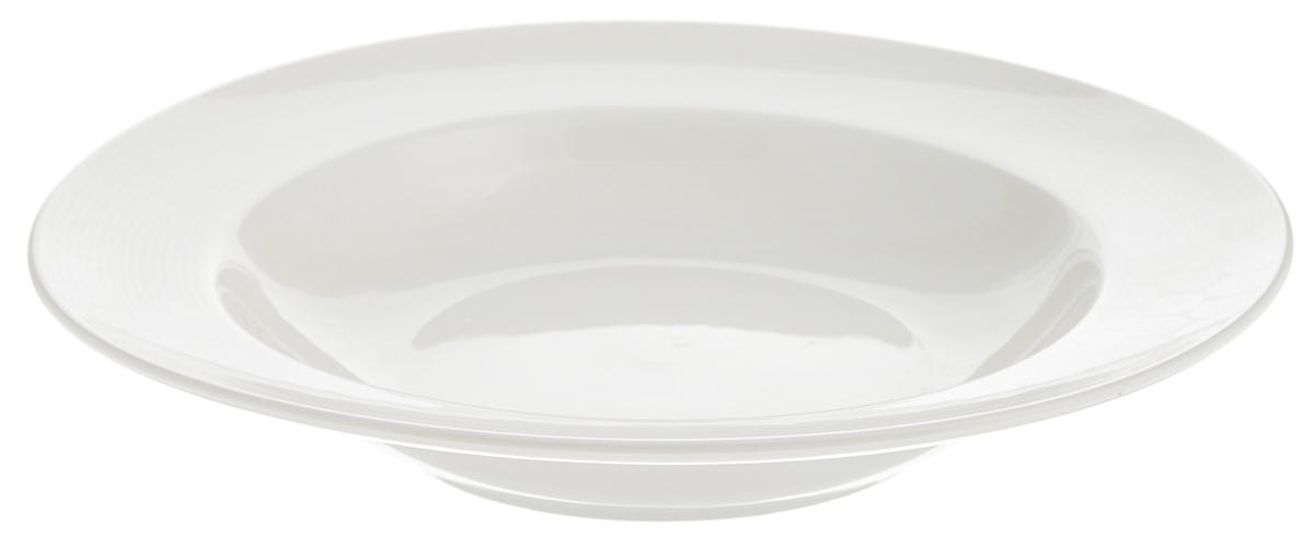 Тарелка глубокая Tescoma Opus Stripes, диаметр 23 см385128Глубокая тарелка Tescoma Opus Stripes, выполненная из высококачественного фарфора, имеет классическую круглую форму и предназначена для красивой сервировки обеденного стола. Она прекрасно впишется в интерьер вашей кухни и станет достойным дополнением к кухонному инвентарю. Тарелка Tescoma Opus Stripes подчеркнет прекрасный вкус хозяйки и станет отличным подарком для вас и ваших близких. Можно мыть в посудомоечной машине и использовать в микроволновой печи. Диаметр тарелки (по верхнему краю): 23 см. Высота тарелки: 4 см.