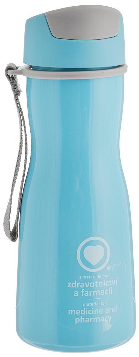 Бутылка для воды Tescoma Purity, цвет: голубой, серый, 500 мл891980.30Стильная бутылка для воды Tescoma Purity, изготовленная из высококачественного пластика, оснащена съемным текстильным ремешком и крышкой с силиконовым уплотнителем, которая плотно и герметично закрывается, сохраняя свежесть и изначальную температуру напитка. Изделие прекрасно подойдет для использования в жаркую погоду: вода долго сохраняет первоначальные свойства и вкусовые качества. При необходимости в бутылку можно наливать витаминизированные напитки, фруктовые соки, чай или протеиновые коктейли. Такую бутылку можно без опаски положить в рюкзак, закрепить на поясе или велосипедной раме. Она пригодится как на тренировках, так и в походах или просто на прогулке. Бутылку разрешено кипятить и мыть в посудомоечной машине. Изделие можно использовать в холодильнике и микроволновой печи. Ремешок и крышку не рекомендуется мыть в посудомоечной машине. Диаметр горлышка бутылки: 5 см. Высота бутылки (без учета крышки): 18,7...