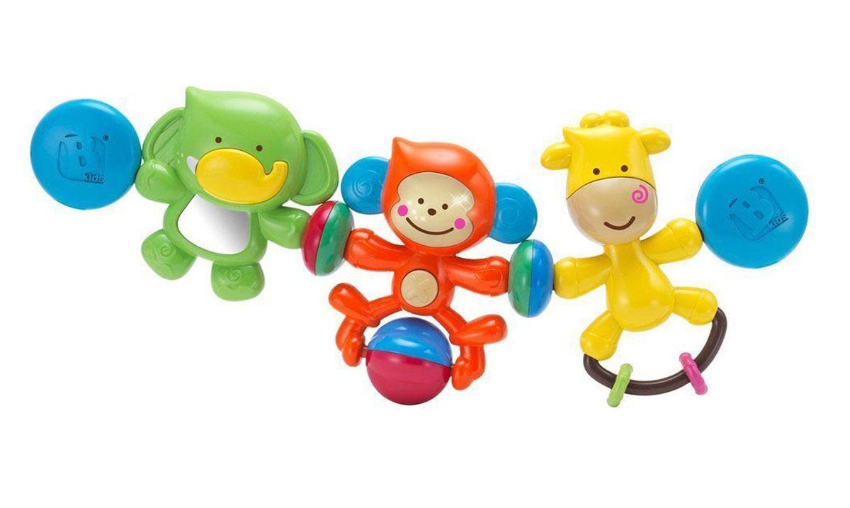 B kids Игрушка-подвеска Веселые друзья004643Игрушка-подвеска B kids Веселые друзья со световыми и звуковыми эффектами предназначена для того, чтобы развлечь малыша в пути. Благодаря универсальным креплениям, она подходит и для коляски, и для автокресла-переноски. Подвеска включает в себя три игрушки, окрашенные в разные цвета и обладающие различным функционалом. Это зеленый слоненок с безопасным зеркальцем в животе, оранжевая обезьянка с шариком-погремушкой и желтый жираф с подвижными кольцами. Для работы игрушки необходимы 2 батарейки типа LR44 (AG13) напряжением 1,5V (товар комплектуется демонстрационными).